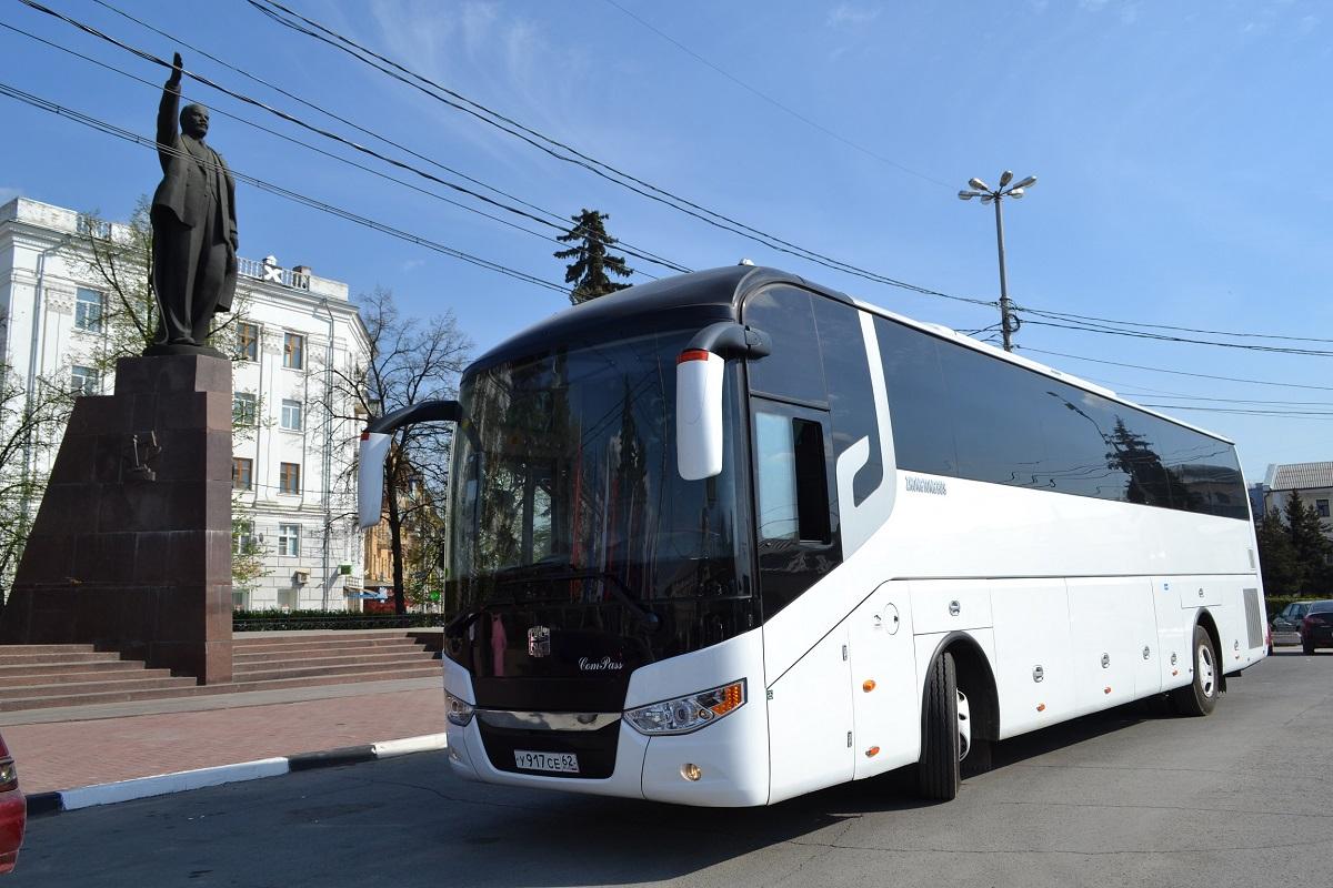 На автобусе - по новогодней Рязани!